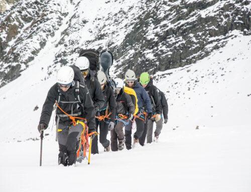 Le Apuane e il rifugio piu' alto d'Europa danno il via alla nuova settimana de 'La montagna a casa'